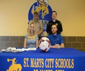 2016_CollegeSigning_StephanieEvans_Soccer